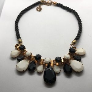Anthro Very pretty necklace